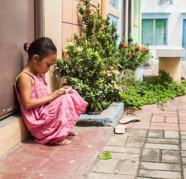 Gawad Kalinga KLM Girl Reading