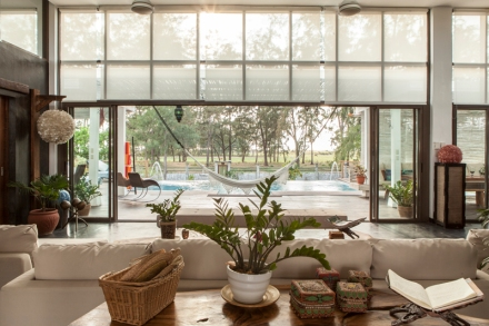 Metro_Home_Zambawood_jar_concengco02