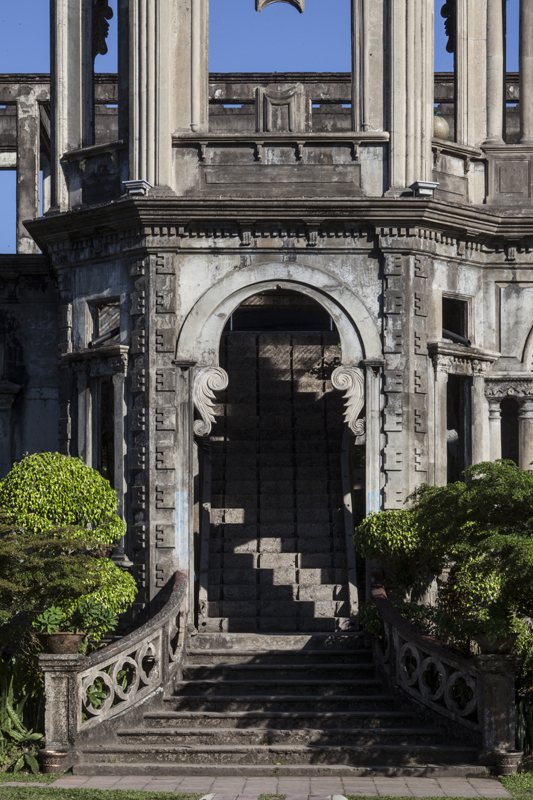 Run&Learn_Bacolod_the_ruins_jarconcengco_02
